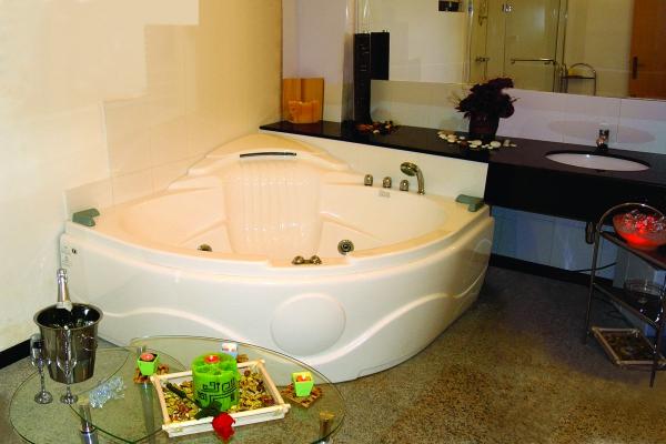 Hotel_Orphey_Bathroom
