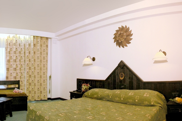 Hotel_Orphey_double_room1