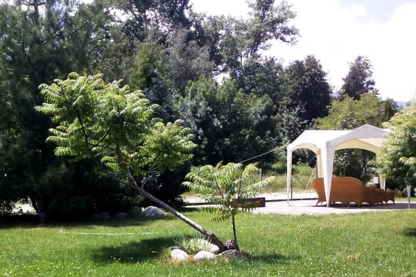 Hotel_Orphey_garden